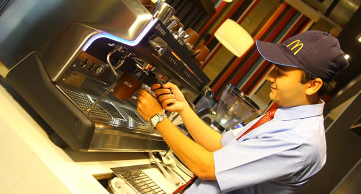 McCafe_employee_1